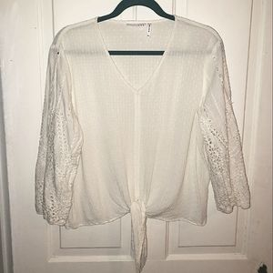 LUQ White Eyelet Lace Sleeve Tie Front Blouse XXL